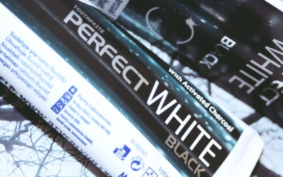 Expo Beauty 2015 ziņas: Beverly Hills Formula Perfect White Black zobu pasta