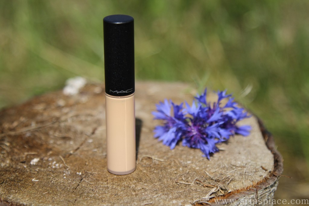 MAC Select Moisturecover konsīleris